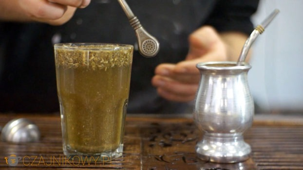 Zielona herbata właściwości 7 zalet i 7 wad spożywania tego napoju.
