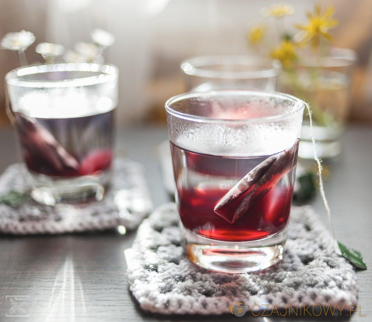 Zaparzanie herbatek owocowych