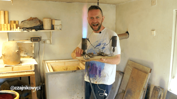 Jak zrobić czarkę do herbaty z gliny?