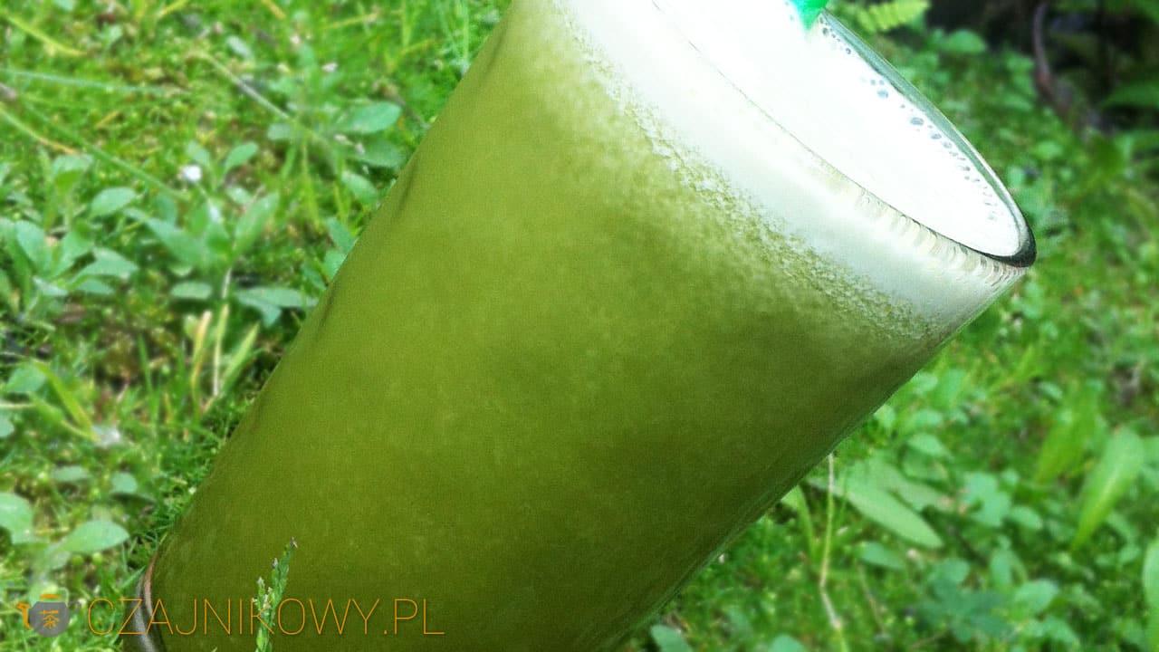 Smoothie z ananasem i zieloną herbatą Matcha, przepis na smoothie z Matchą