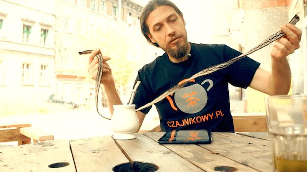 Czy fluor i glin w herbacie jest szkodliwy, czy słodzić mate. Yerba czy herba