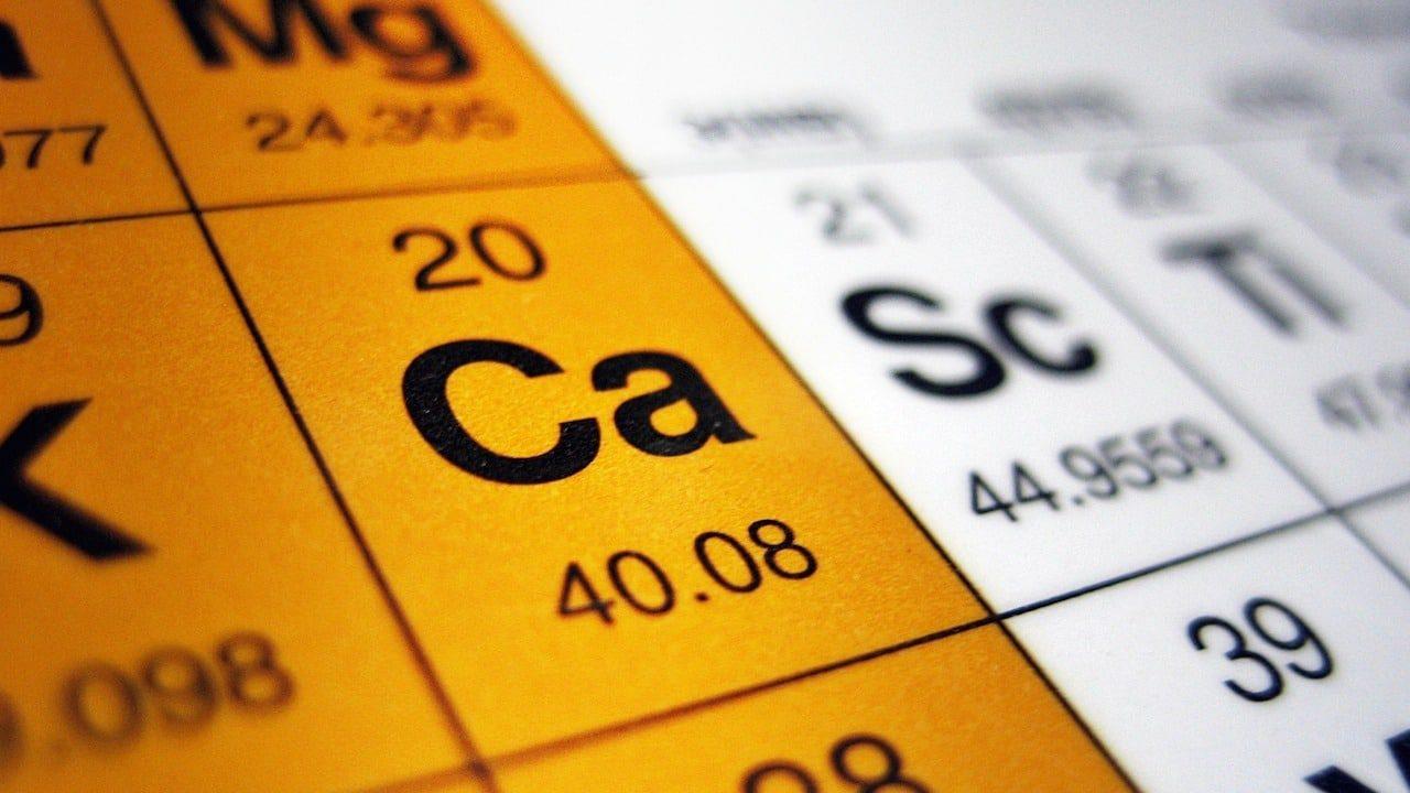 Minerały w herbacie, substancje mineralne w herbacie, zawartość wapnia, fosforu, żelaza i sodu w herbacie