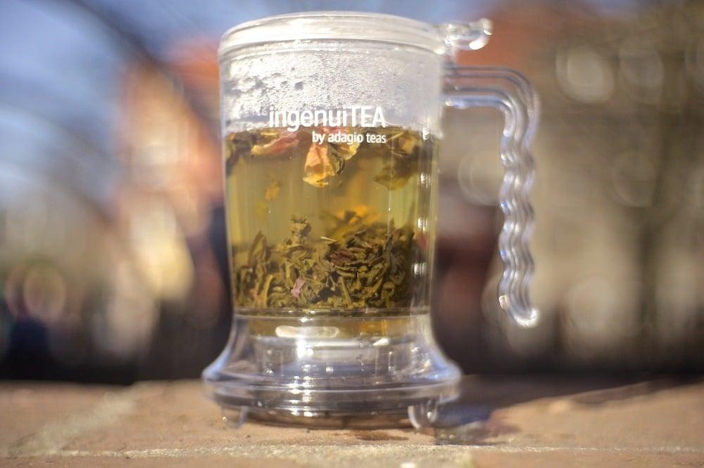 Wstęp do parzenia herbaty: parzenie herbaty w naczyniu o dużej objętości
