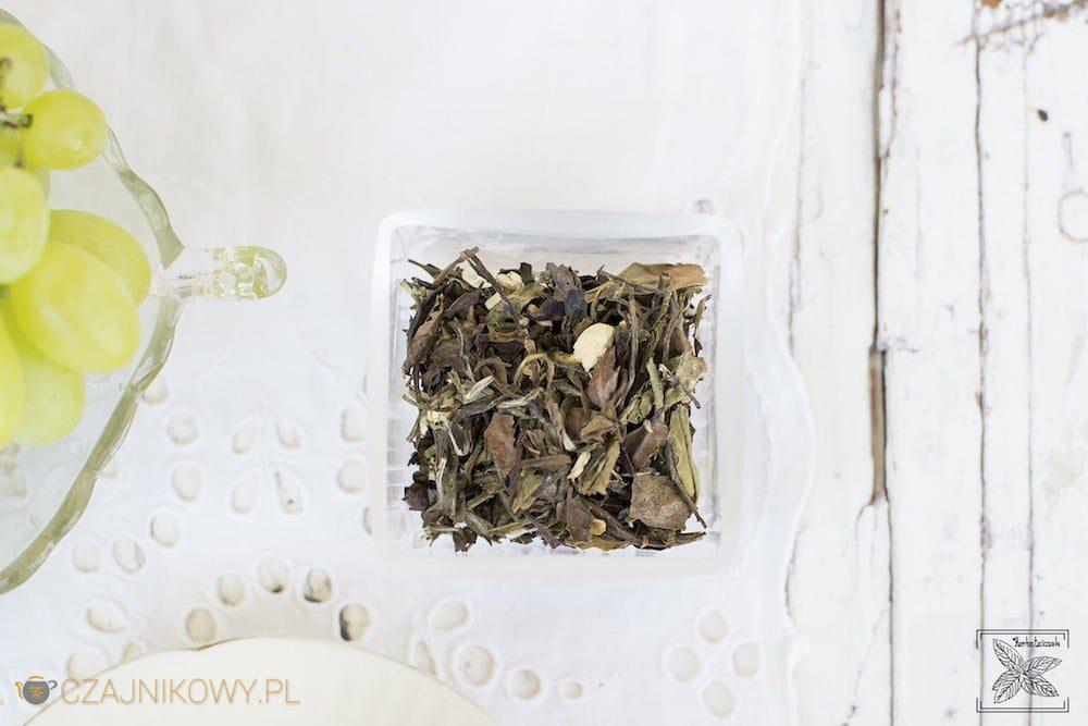 soczyste-winogroCzym zastąpić kostki lodu w herbacie? Herbata biała Soczyste Winogrona