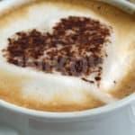 Kawa: co warto wiedzieć? Definicje i terminy: speciality coffee, gatunki kawowca, body, smak kawy, świeżość kawy, mielenie kawy