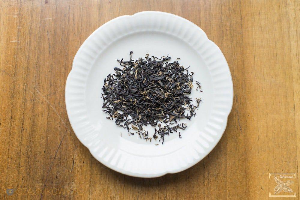 Liście czarnej herbaty Keemun Mao Feng