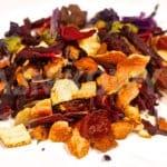 Co powinna mieć w sobie dobra owocowa herbata? Jakiej herbaty unikać w sklepie?