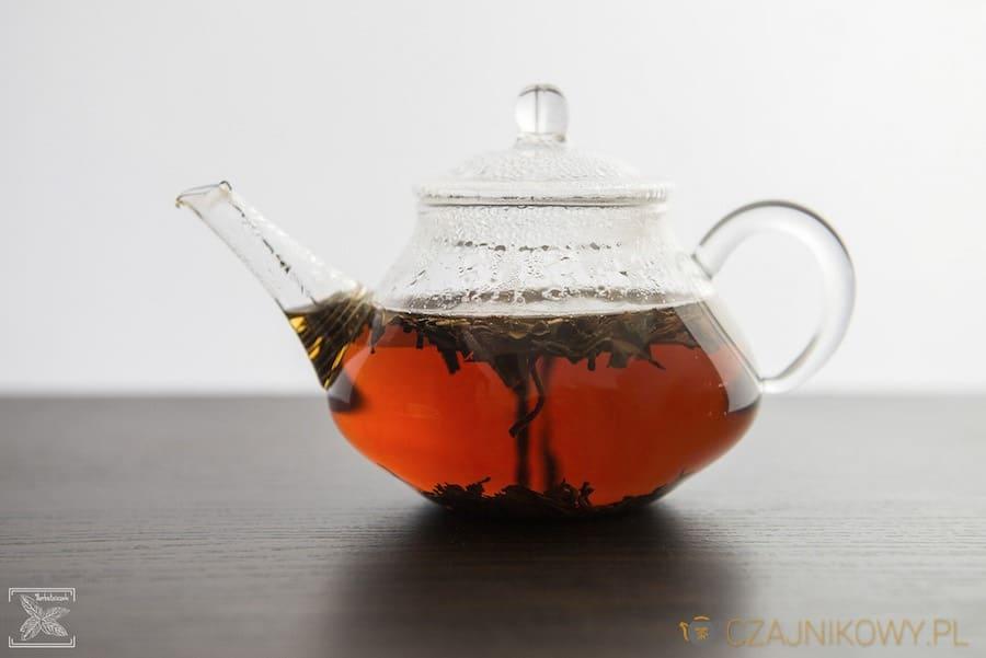 Napar czarnej herbaty Assam Hattialli