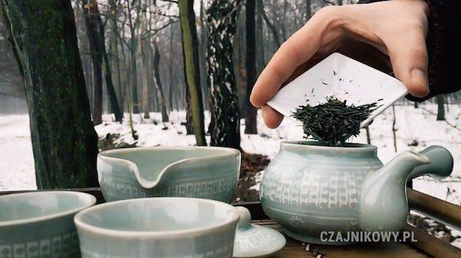 Parzenie zielonej herbaty Jeoncha
