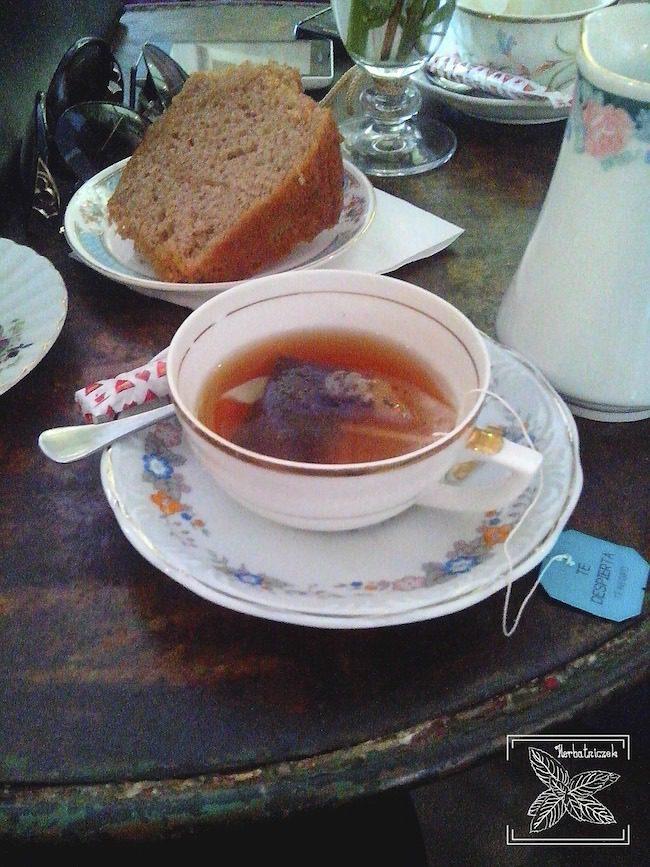 Herbata w kawiarnio-herbaciarni