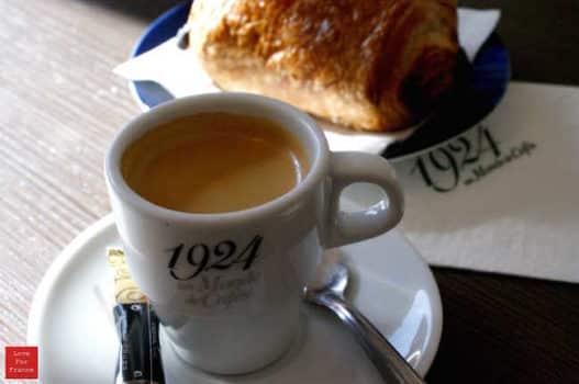 Filiżanka kawy we Francji