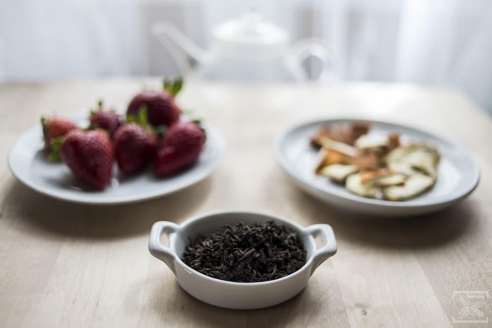 Jak dodać herbacie smaku? Aromatyzowanie herbaty