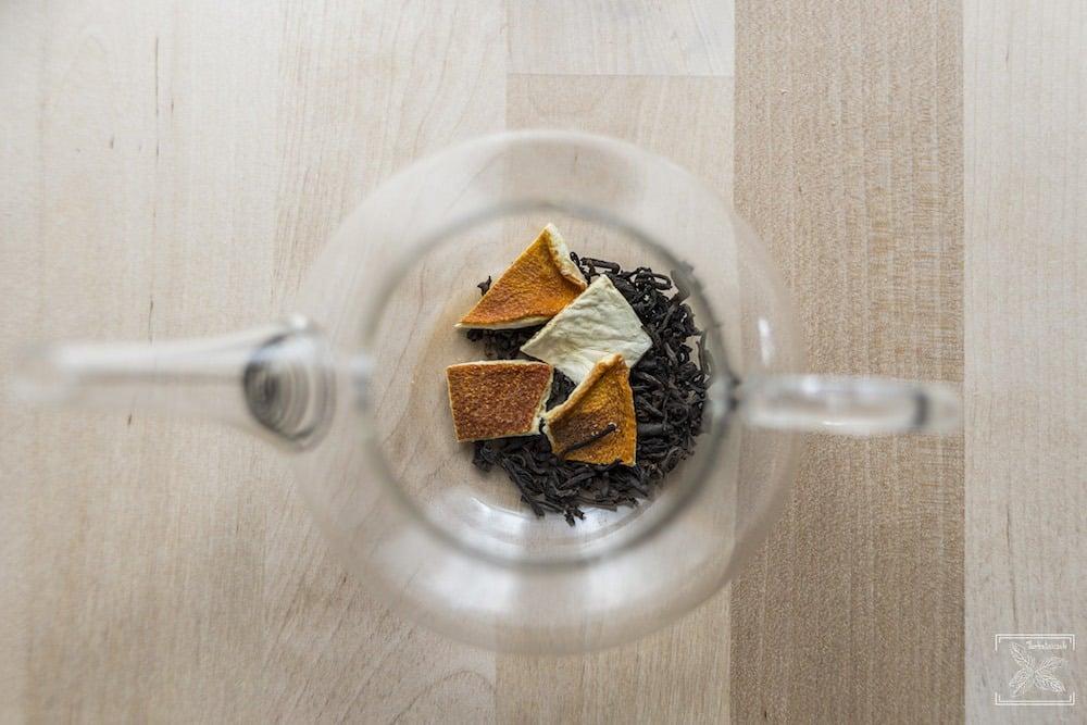Jak dodać herbacie smaku? Czerwona herbata i pomarańcza