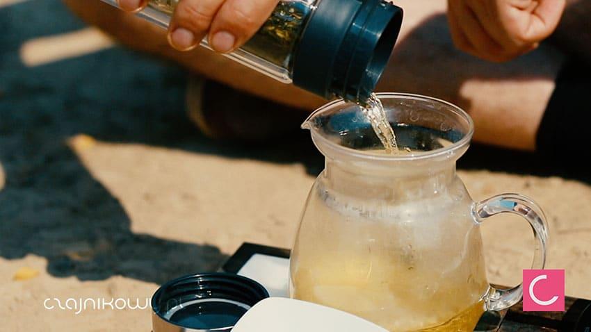 Jak zrobić samemu napój izotoniczny i napój energetyzujący, przepis: herbata zielona
