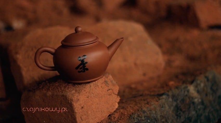 Glina z Yixing. Jak powstają czajniki z glinki
