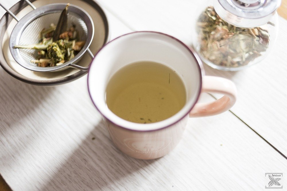 Herbata oliwna Olive Tea Organic: przygotowana herbata (napar)