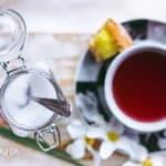 Herbata bezkofeinowa. Herbata bez teiny. Dekofeinizacja herbaty – jak to się robi?