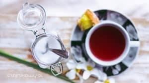 Herbata bezkofeinowa. Herbata bez teiny. Dekofeinizacja herbaty - jak to się robi?