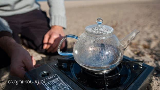 Kiedy woda ma 60,70,75,80,85,90 stopni? Po jakim czasem woda w czajniku nadaje się do parzenia herbaty?