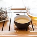 Źółta herbata Kekecha – parzenie na ciepło i na zimno