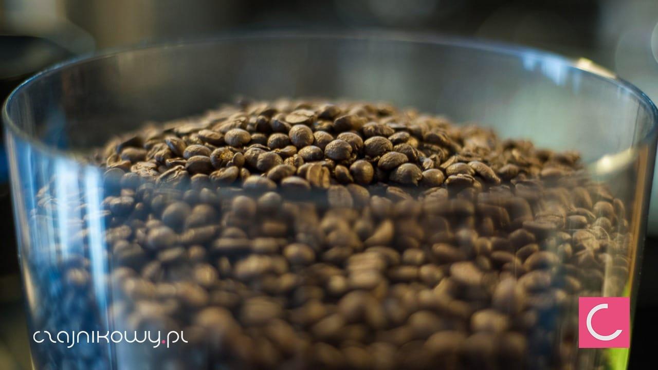 Dlaczego kawa jest kwaśna? Kawy o niskiej kwasowości