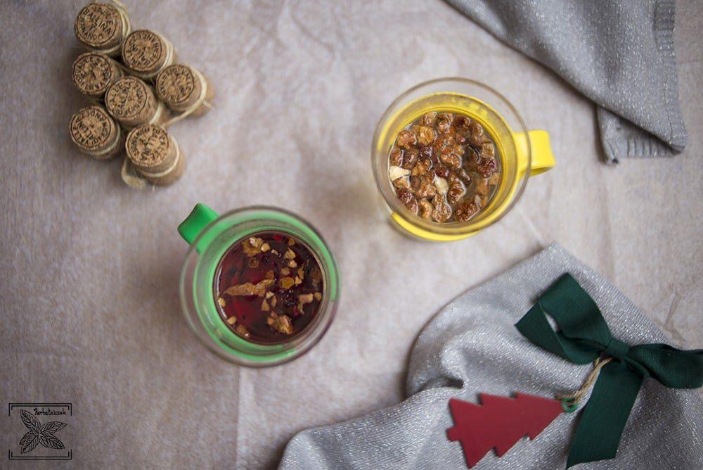Parzenie owocowych herbatek