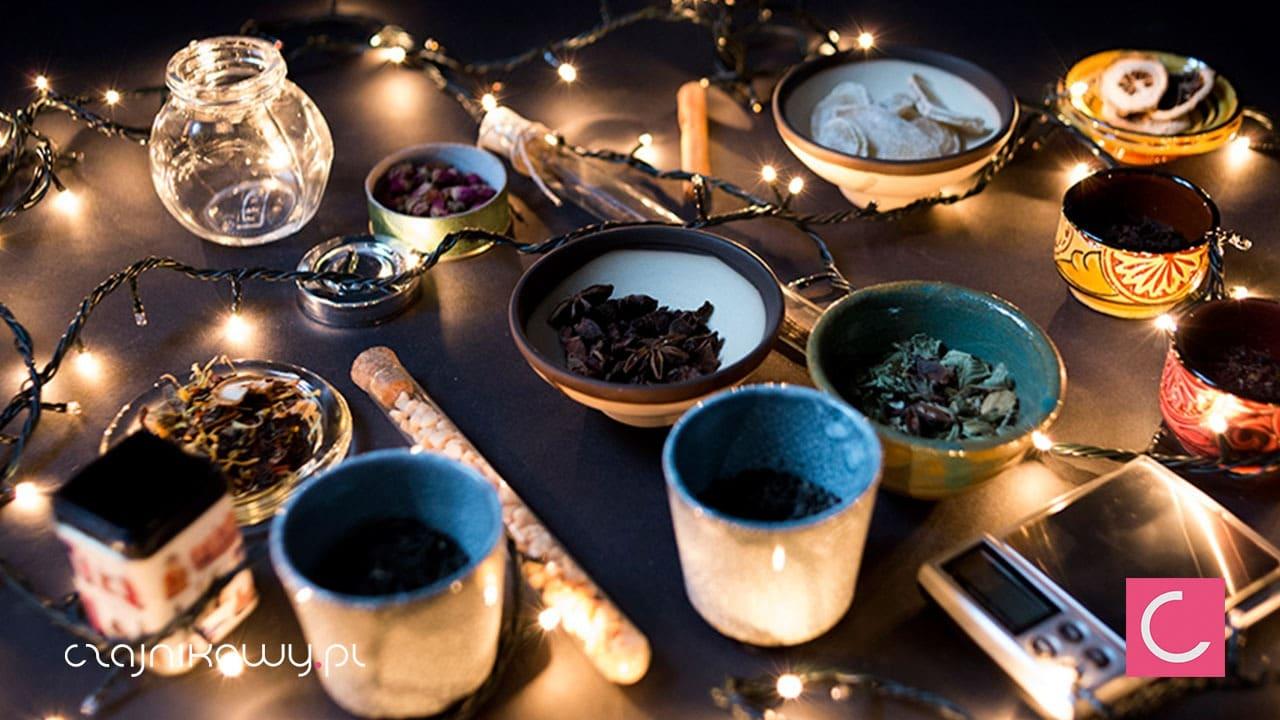 Herbata świąteczna - najlepszy przepis. Jak zrobić świąteczną herbatę na prezent?