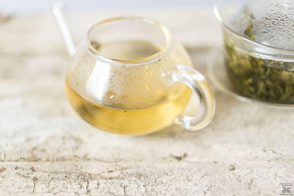Czym jest cierpliwa herbata? Misty Green - zielona herbata: kolor naparu