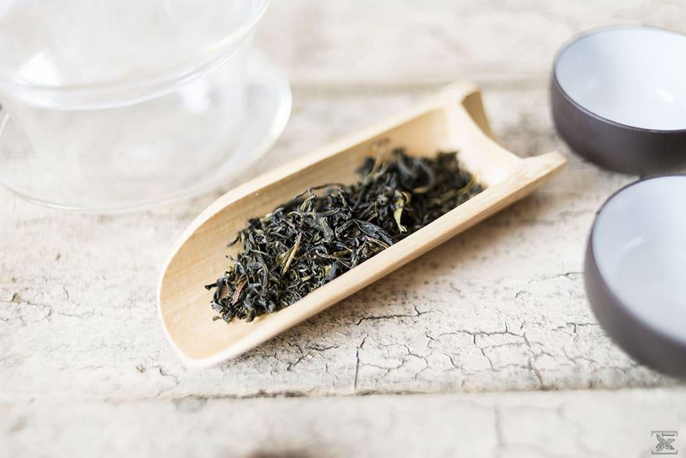 Czym jest cierpliwa herbata? Misty Green - zielona herbata: susz