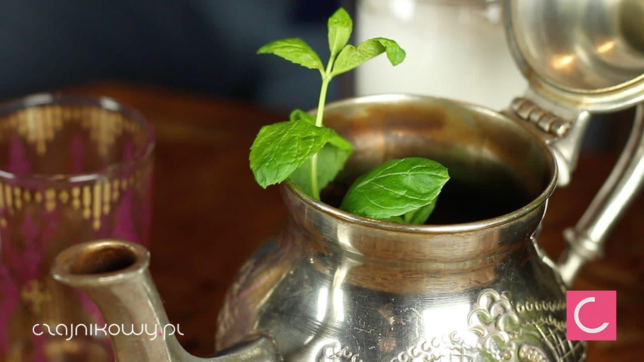 Herbata zielona z miętą. Herbata z Maroka - właściwości: mięta świeża