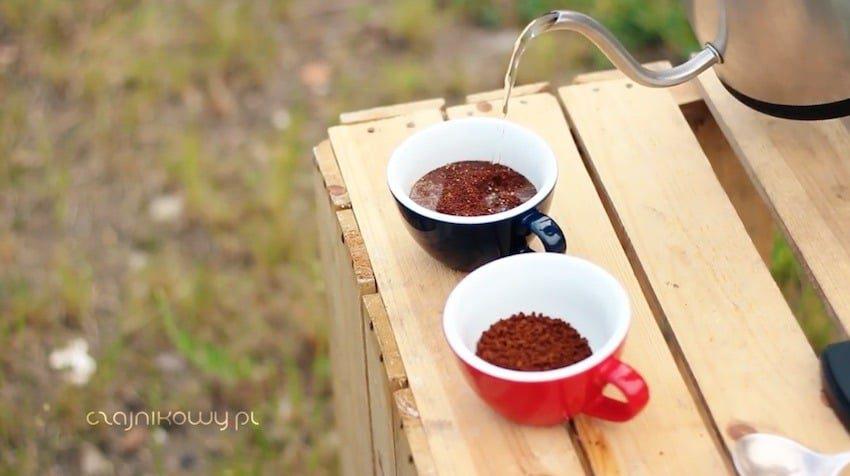 Kawa rozpuszczalna: działanie, produkcja, różnice w stosunku do mielonej