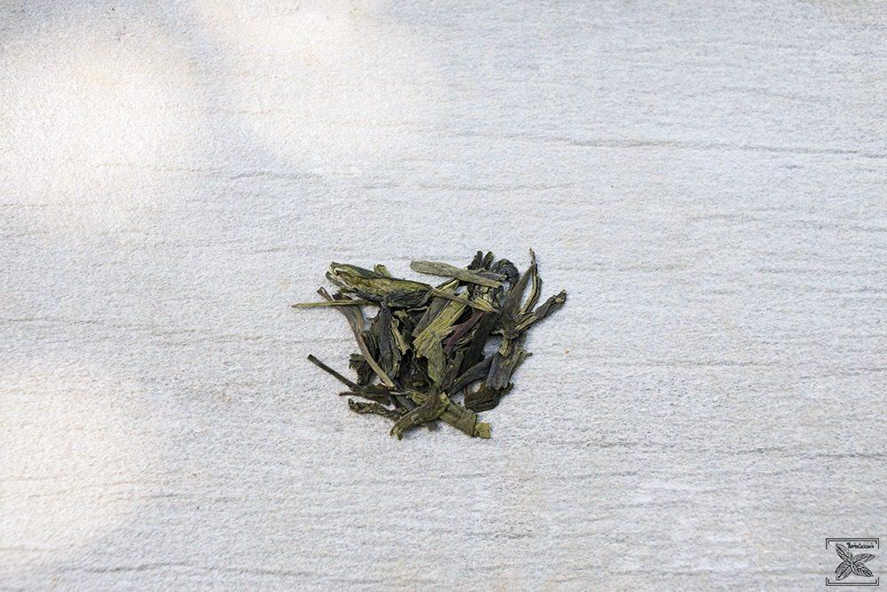 Organiczna zielona herbata LungChing: liście