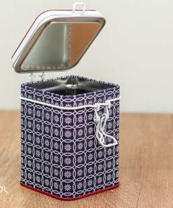 Puszka na herbatę kwiatowa niebieska 150g