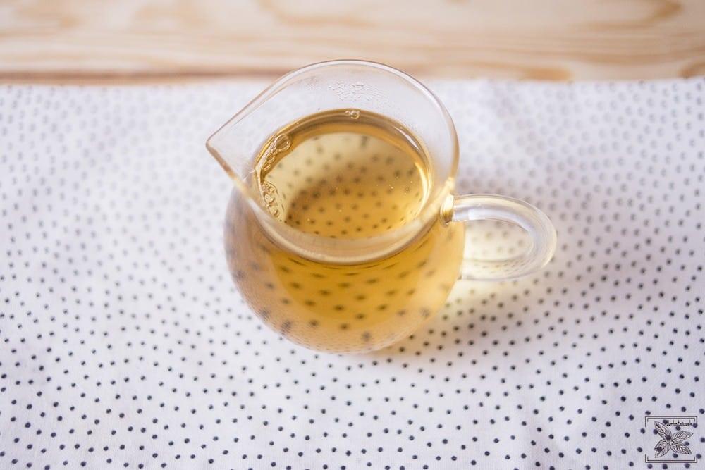 Biała wędzona herbata Pai mu tan Lapsang Fuding