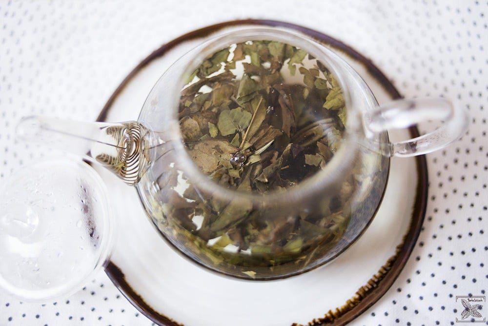 Biała wędzona herbata Pai mu tan Lapsang Fuding: trzecie parzenie