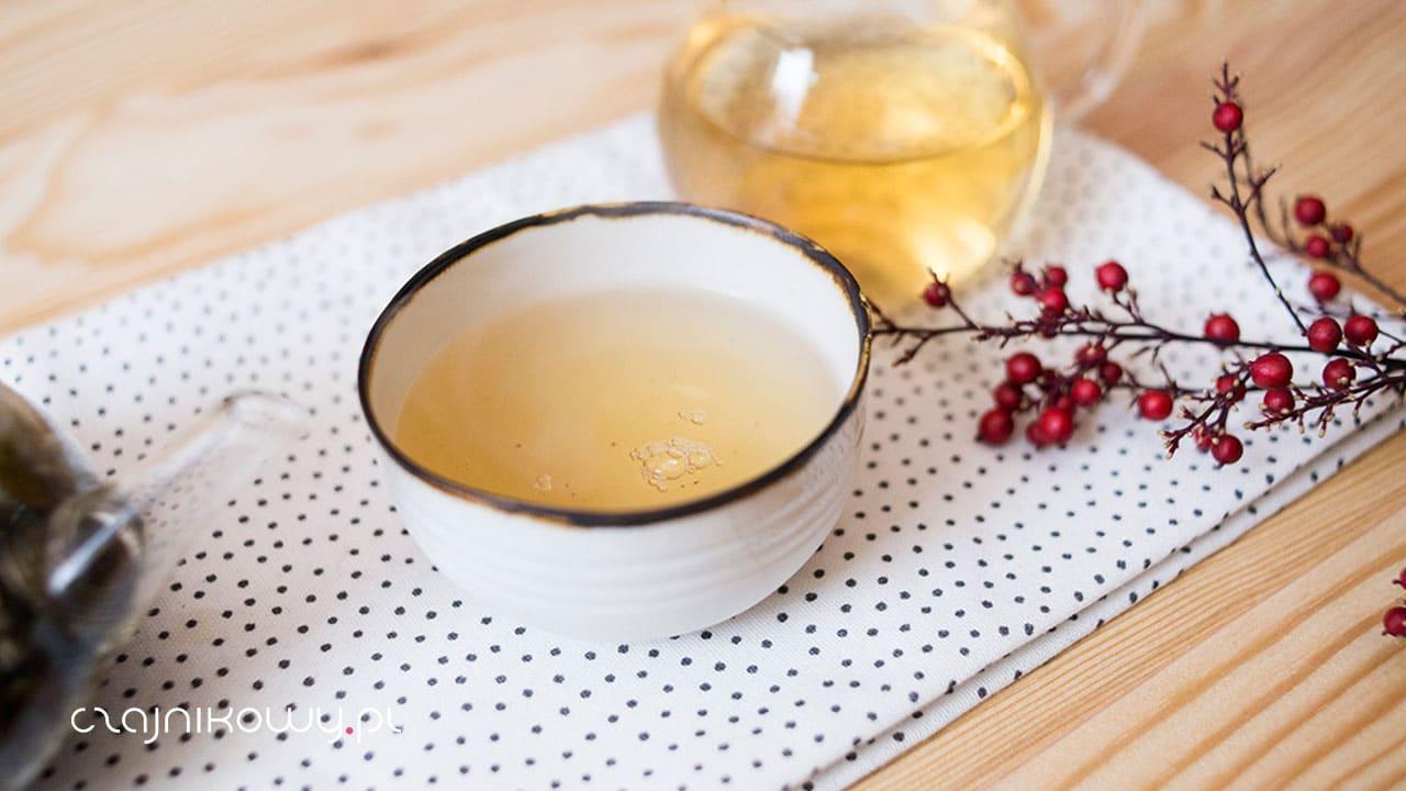 Biała wędzona herbata Pai mu tan Lapsang Fuding, parzenie