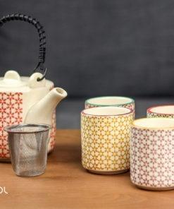 Czajnik do herbaty kolorowy 600 ml + 4 czarki
