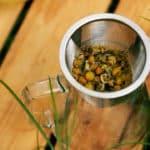 Herbata ziołowa na alergię: rumianek, parzenie
