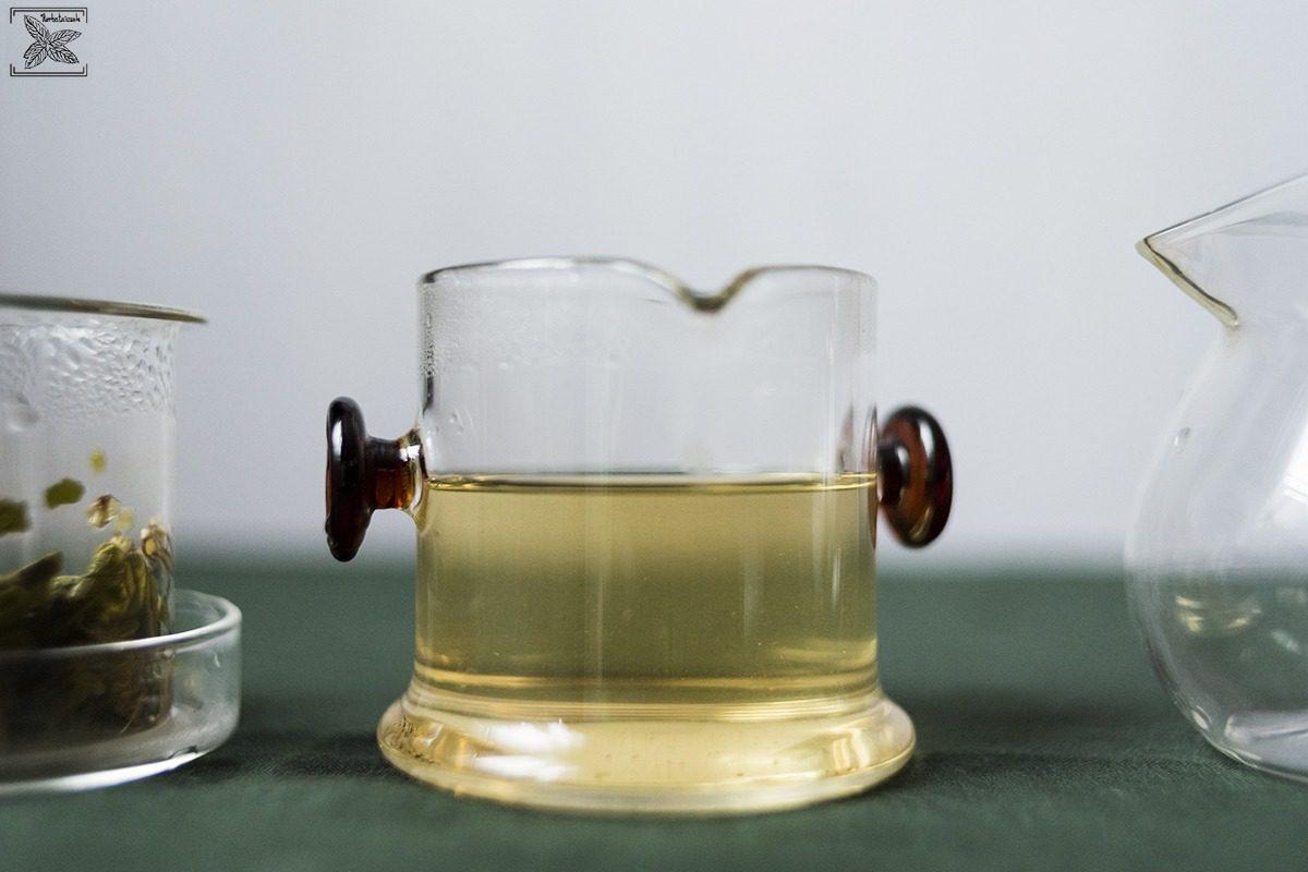Herbata zielona oolong Haicha, parzenie, opinie: kolor naparu