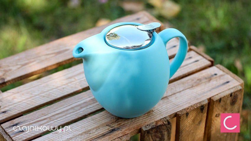 Czajnik do herbaty błękitny z sitkiem Sara 900ml