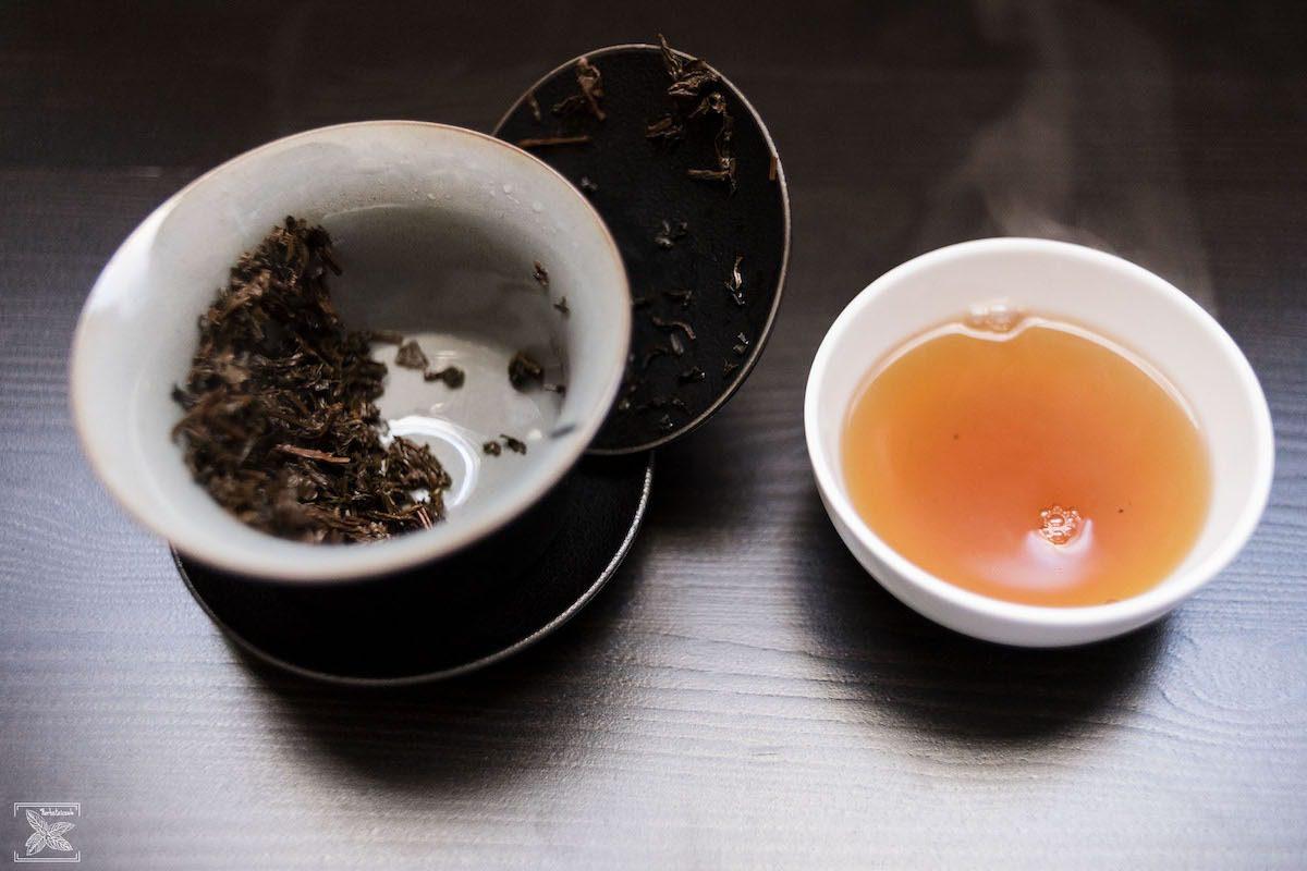 Herbata Vietnam Golden Tippy organiczna: pierwsze parzenie