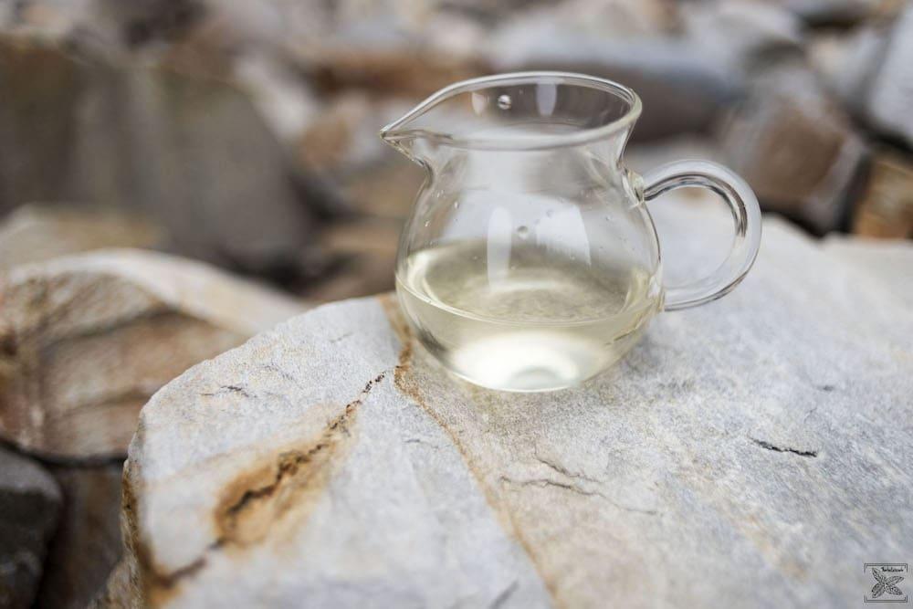 Biała herbata Snow Buds Leopard Premium: zimne parzenie (cold brew)
