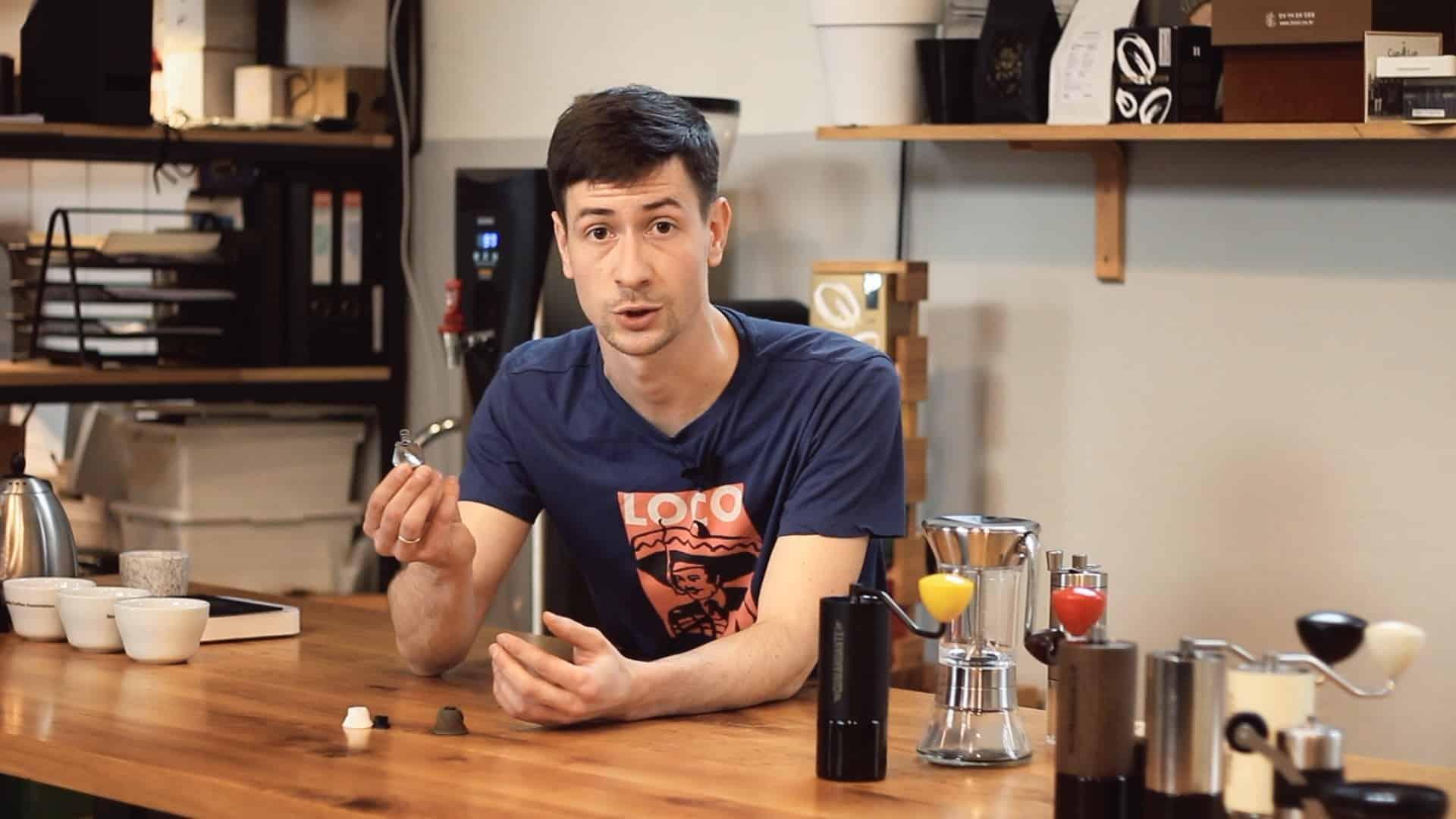 Jaki młynek żarnowy do kawy wybrać? Porównanie młynka za 50 i 1000 zł