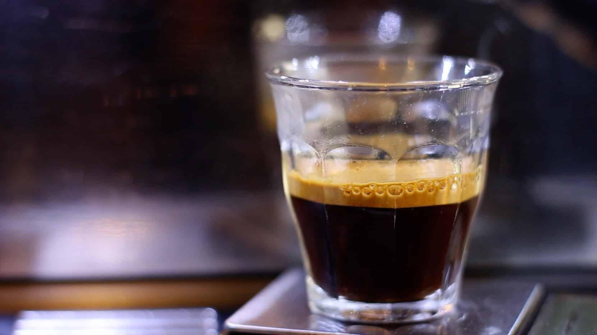 Crema na kawie: to znak jakości kawy?
