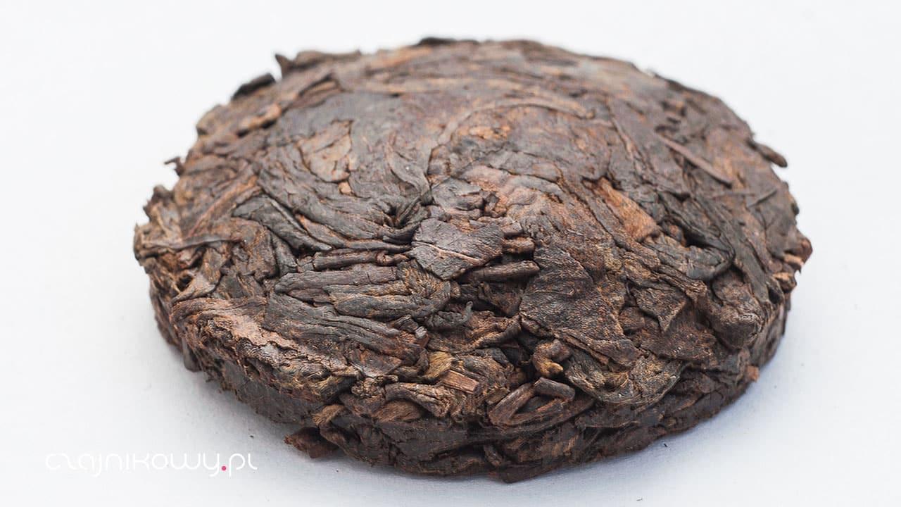 Czerwona herbata pu-erh sheng czy shu: surowa czy gotowana, różnice