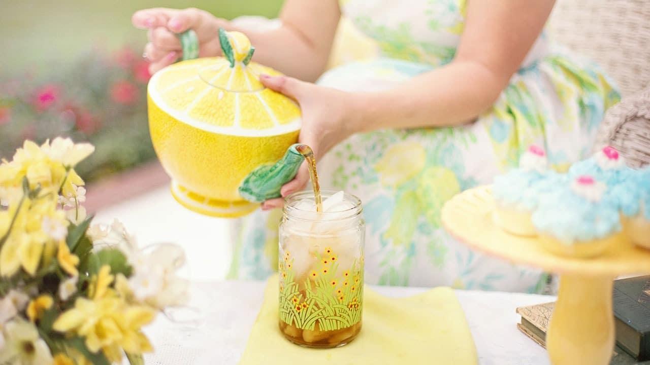 Przepis na orzeźwiającą lemoniadę na bazie herbaty bitter lemonade