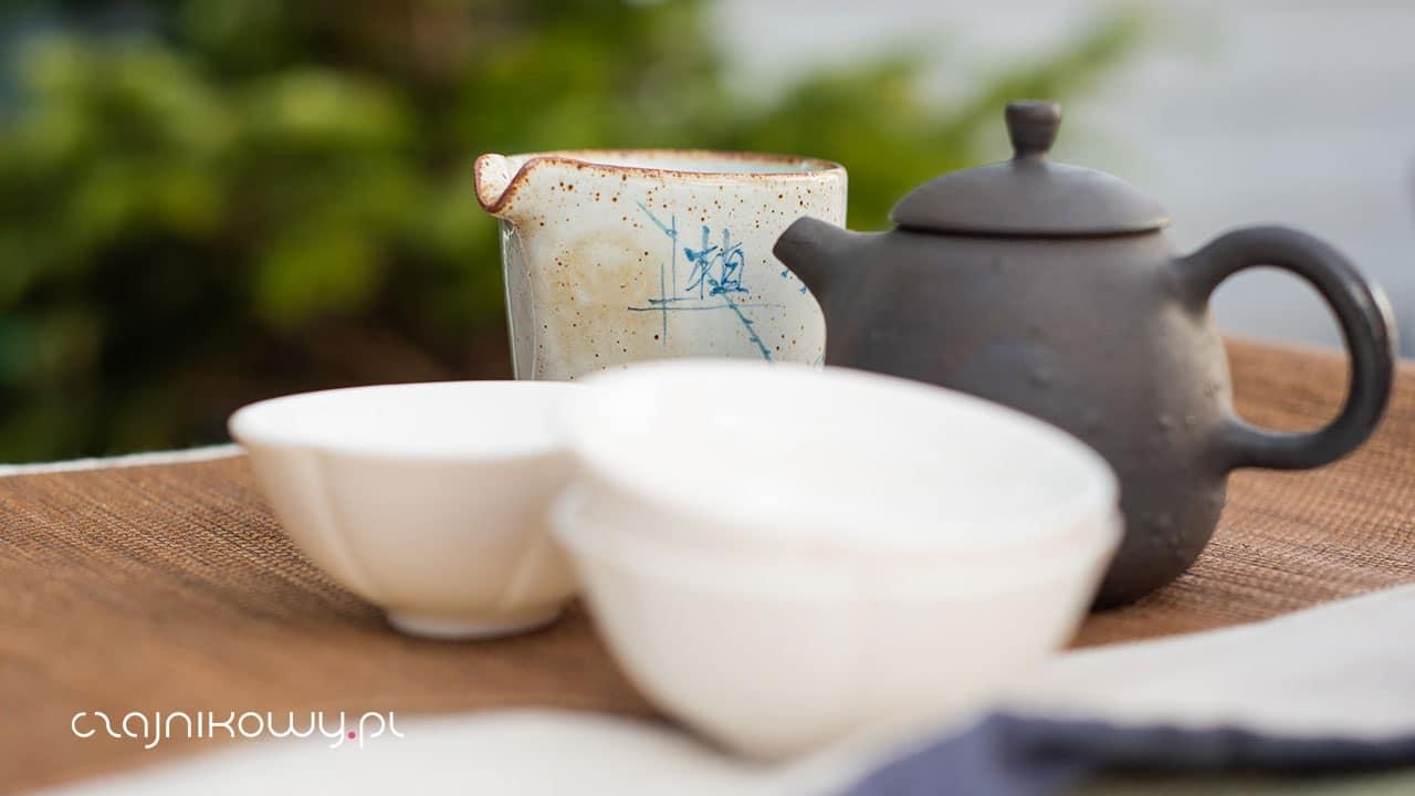 Czy można palić liście herbaty? 10 pytań i odpowiedzi dotyczących herbaty