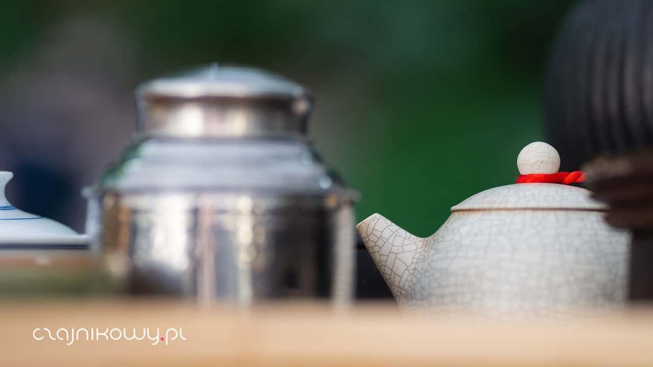 Gatunek herbaty, odmiana, kultywar, hybryda, klon: czym są?
