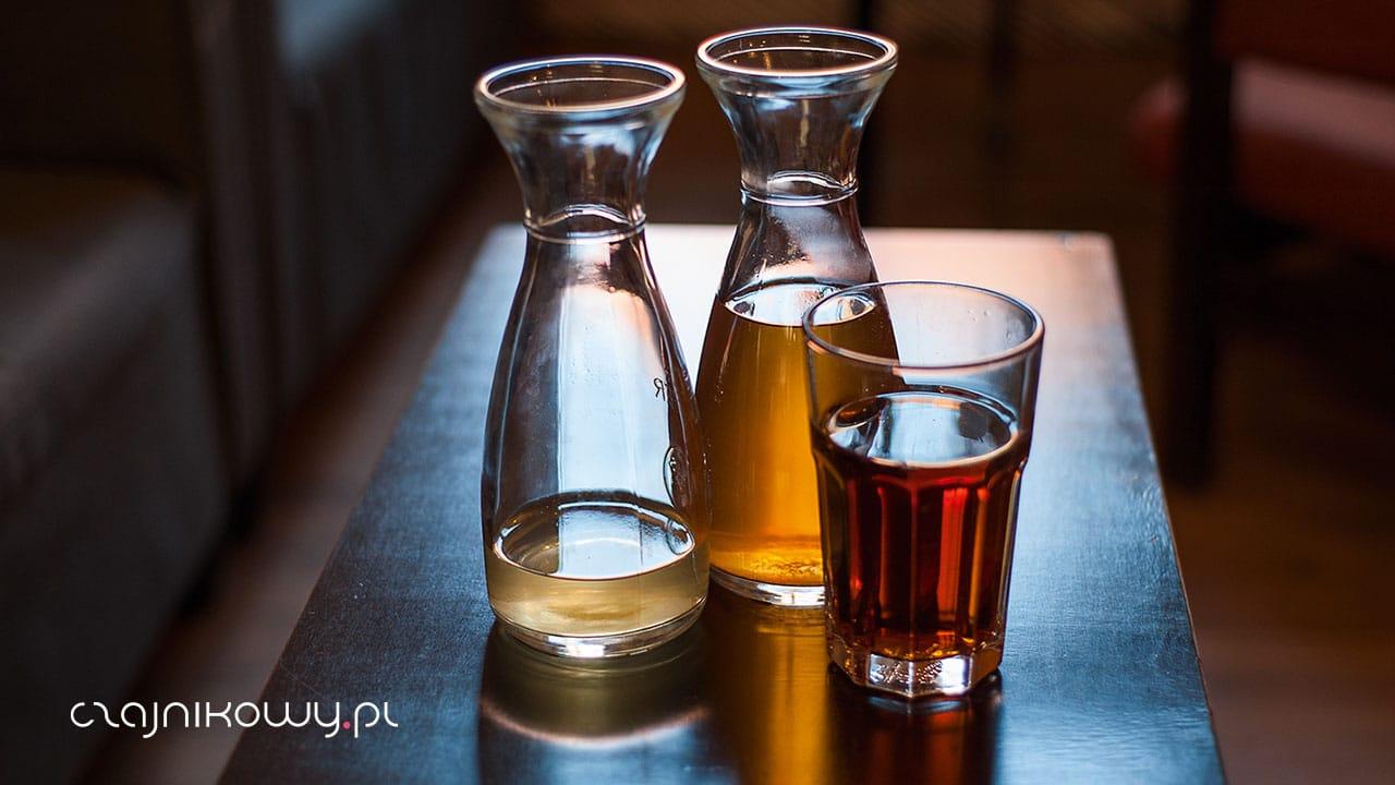 Herbata cold brew - ile może stać parzona na zimno?